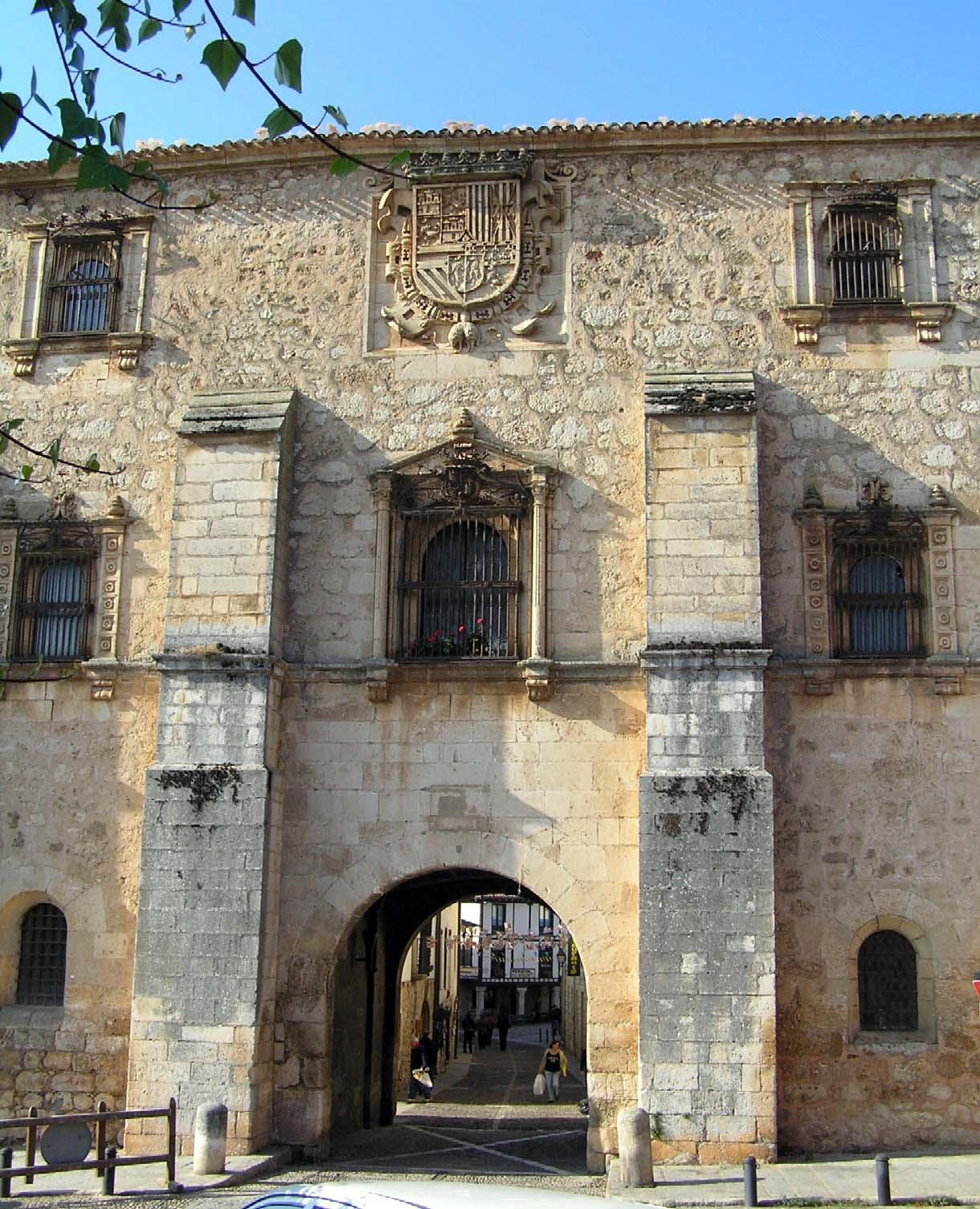 Se or o de covarrubias burgos portal fuenterrebollo for Oficina turismo burgos