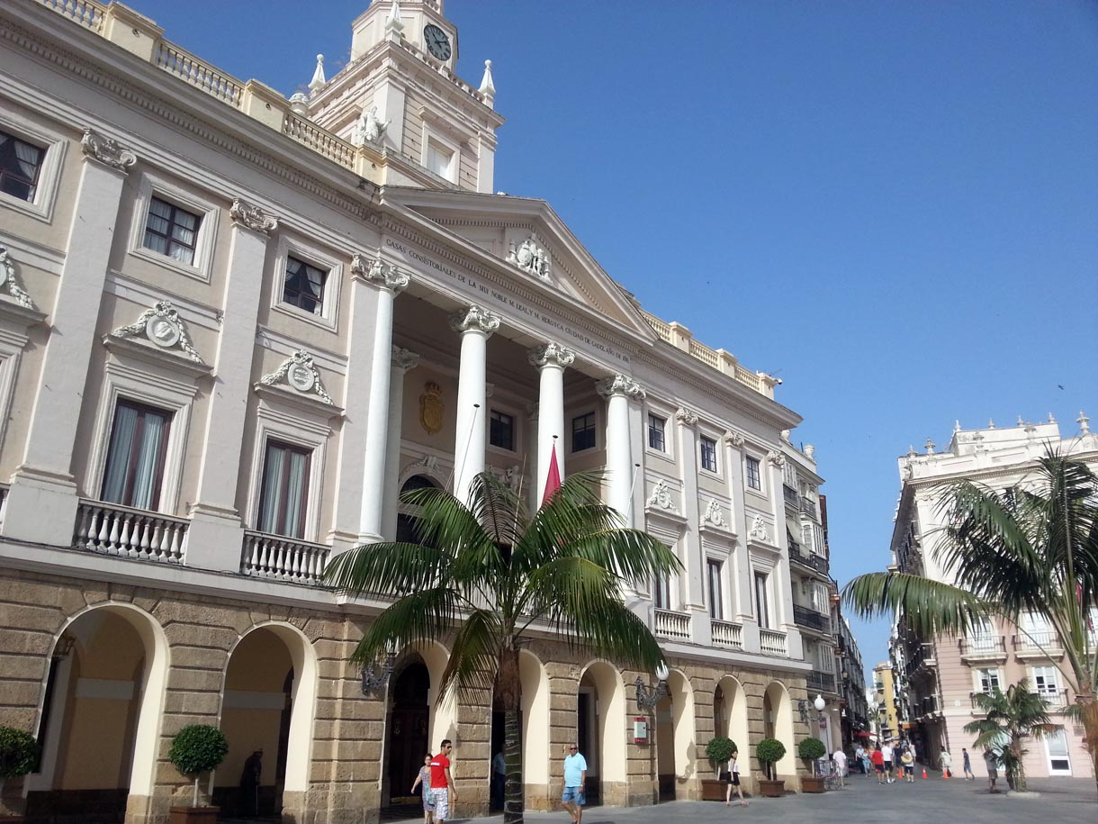 C diz portal fuenterrebollo for Ayuntamiento de cadiz recogida de muebles
