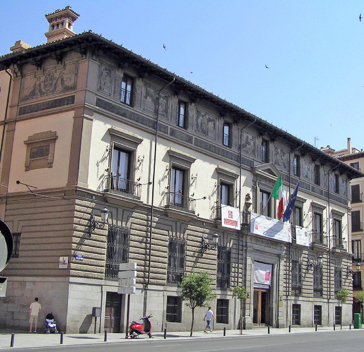 Calle mayor de madrid portal fuenterrebollo for Instituto italiano de cultura madrid