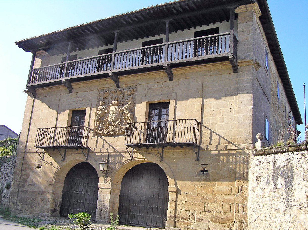 Casas en santillana del mar booking assistance with casas for Posada el jardin santillana del mar