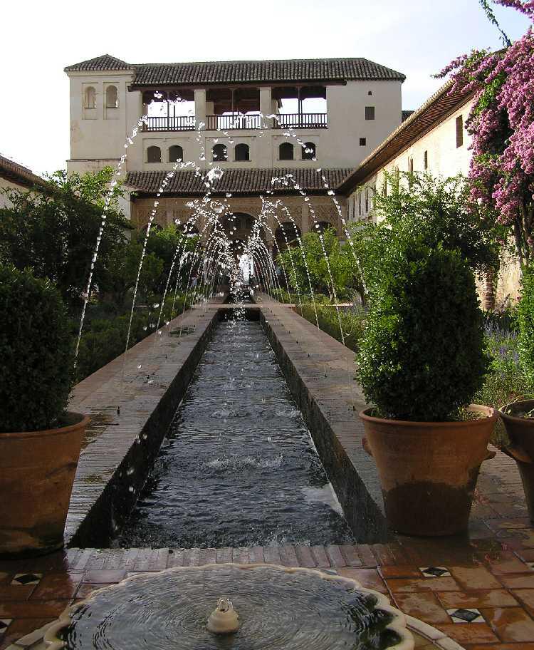هل شاهدتم قصر الحمراء التاريخي alhambra-1-2.jpg